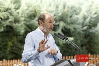 Den tidigare PSOE-toppen lämnade 2004 partiledarposten och alla politiska uppdrag.