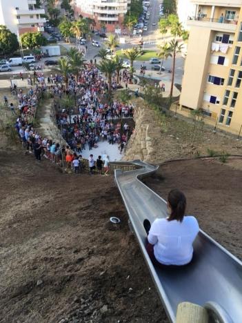 Flera användare fick lindrigare skador första dagen som stadskanan i Estepona togs i bruk. Foto: Ayto de Estepona
