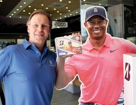 """RIDER PÅ TIGERS FRAMGÅNGAR  Stefan Tjellander på Holiday Golf lanserar bland annat Tiger Woods golfbollar """"Limited Edition""""."""