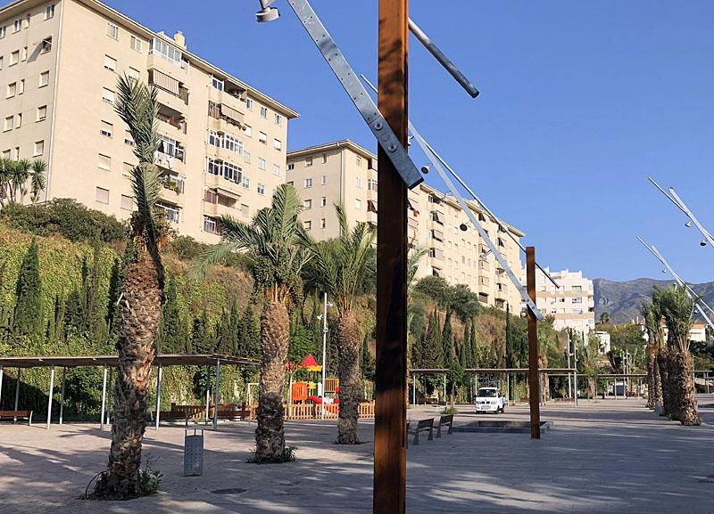 Las Albarizas ligger intill industriområdet La Ermita, i östra Marbella.