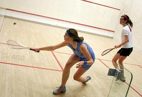 Sexistiska priser i en damtävling i squash har väckt skandal. Foto: Steve McFarland/Wikimedia Commons ARKIVBILD