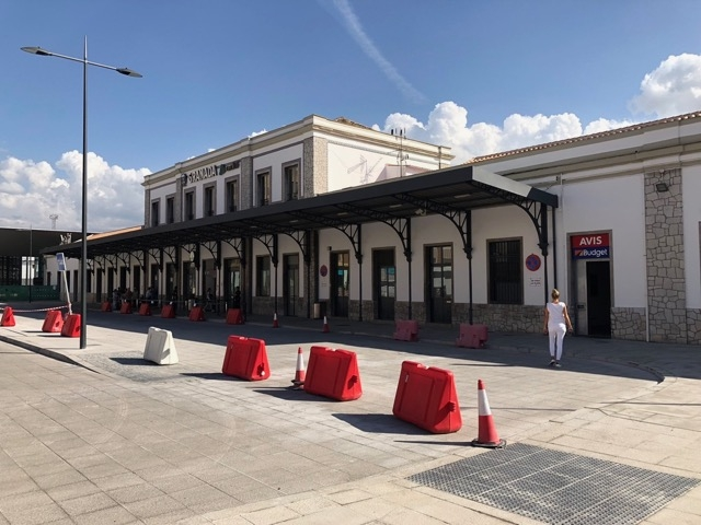 Stationen i Granada har inte sett några tåg på flera år.