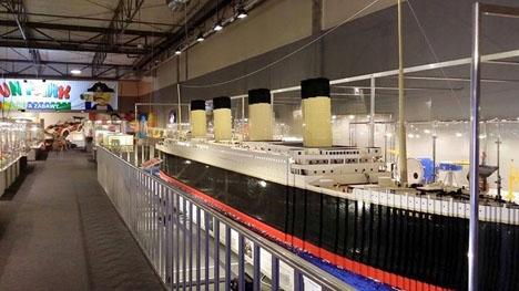 LEGO-utställningen i Málaga pågår hela sommaren.