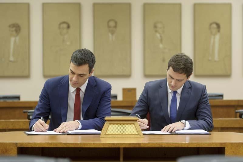 Sánchez och Rivera undertecknade för tre år sedan ett koalitionsavtal till ingen nytta, men nu när de har majoritet tillsammans är detta uteslutet, åtminstone för Ciudadanos.