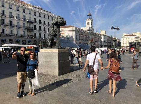 Privattrafik tillåts på nytt ända in i kärnan av Madrid, som Puerta del Sol.