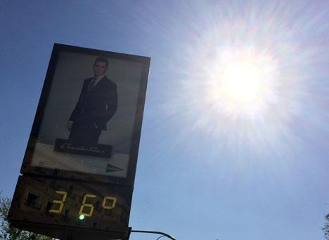 I Málaga stad och på västra Costa del Sol kan temperaturen överstiga 35 grader.