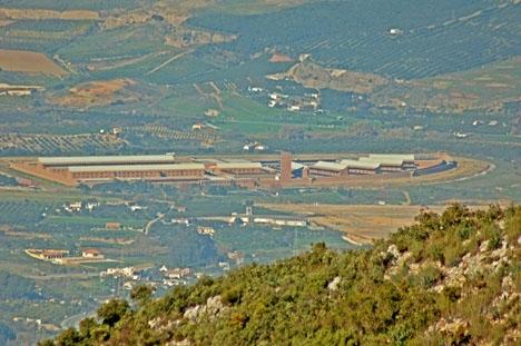 Ett flertal dödsfall i provinsfängelset i Málaga har satt fokus på den stora personalbristen i anstalten. Foto: Montuno/Wikimedia Commons