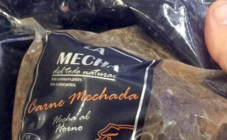 Det smittade köttet är marinerat samt grillat och säljs i vakuumförpackning.
