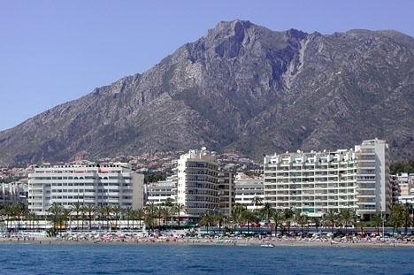 Marbellas gynnsamma läge vid kusten och många grönområden bidrar till den hälsosamma luften.