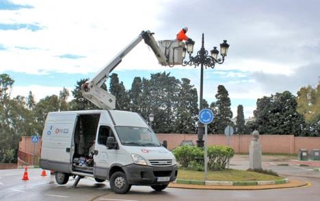 Enligt Estepona kommuns siffror kommer investeringen i led-lampor vara täckt om drygt tio år. Foto: Ayto de Estepona