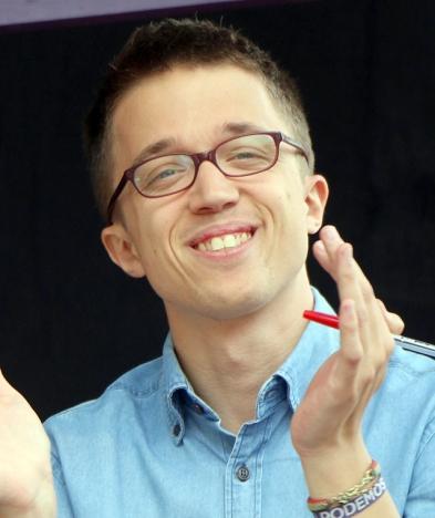 íñigo Errejón är en av grundarna av Podemos, men hoppade av efter att han förlorat ett internval mot Pablo Iglesias. Foto: En Comu Podem/Wikimedia Commons