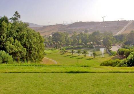 Estepona Golf tvingas avsätta omkring 6 000 euro för att reparera sin Driving Range. Foto: TheLegalEditor/Wikimedia Commons