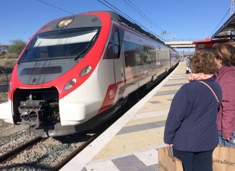Lokaltåget mellan Málaga och Fuengirola slutar gå nära sex timmar om dygnet.