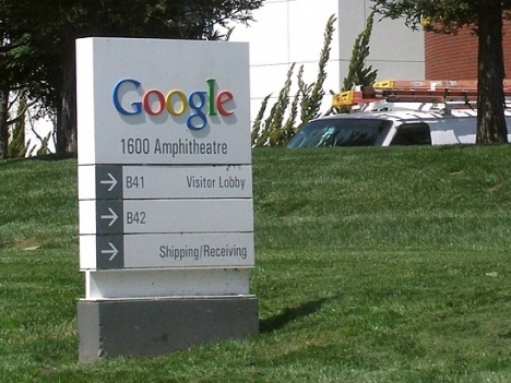 Google är endast en av flera bolagsjättar som undgår att skatta stora summor i Spanien. Foto: Coolcaesar /Wikimedia Commons