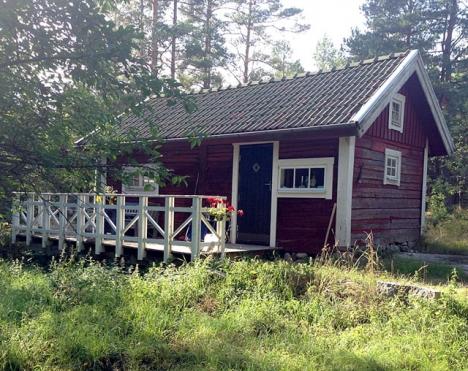 Många svenskar som flyttat permanent till Spanien tvingas i dagsläget sälja sin svenska bostad, för att undvika dubbelbeskattning.