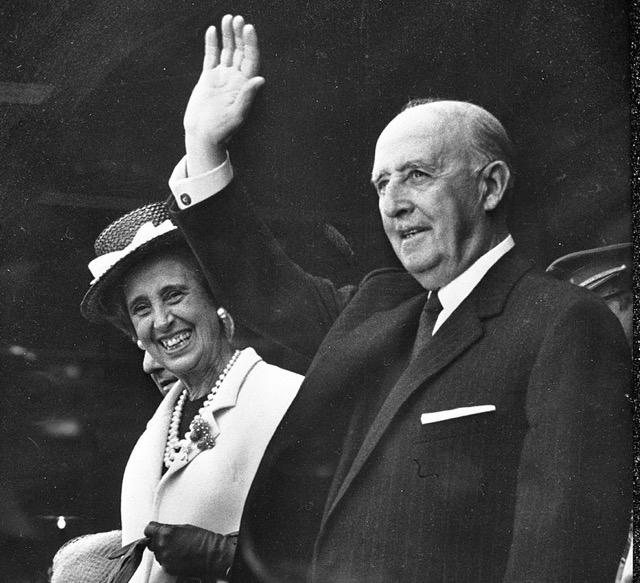 Hur begravningen av Franco intill sin hustru Carmen Polo skulle utgöra någon som helst form av vanära övergår mitt förstånd.