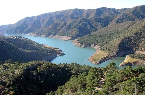 Kroppen hittades vid kilometer tre intill vägen som leder till Istán. ARKIVBILD