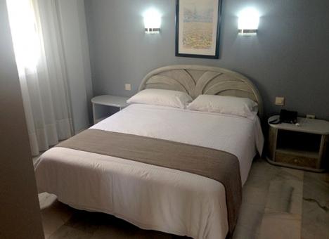 Städerskorna i Spanien kräver ett protokoll för att skydda sig mot påträngande hotellgäster.