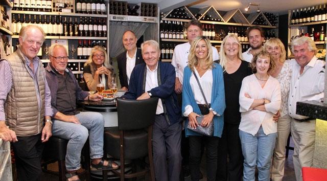 Spanska och svenska entreprenörer knöt nya kontakter vid Handelskammarens After Work, på restaurang La Campana.
