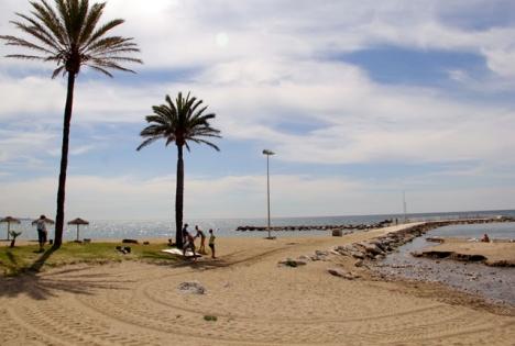 Flyktingbåten nådde kusten vid Hotel Puente Romano. ARKIVBILD