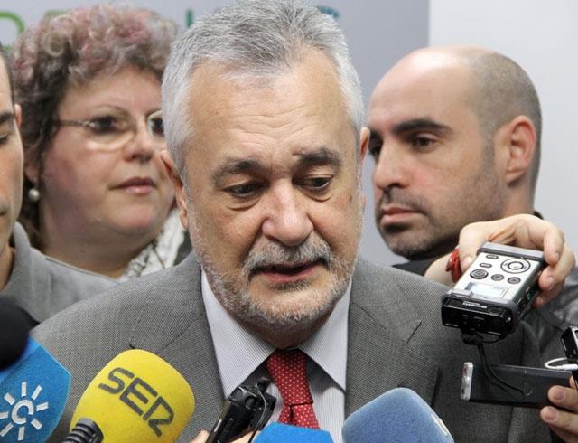 Tidigare regionalpresidenten i Andalusien José Antonio Griñán (PSOE) har dömts till sex års fängelse och nio års tjänsteförbud.