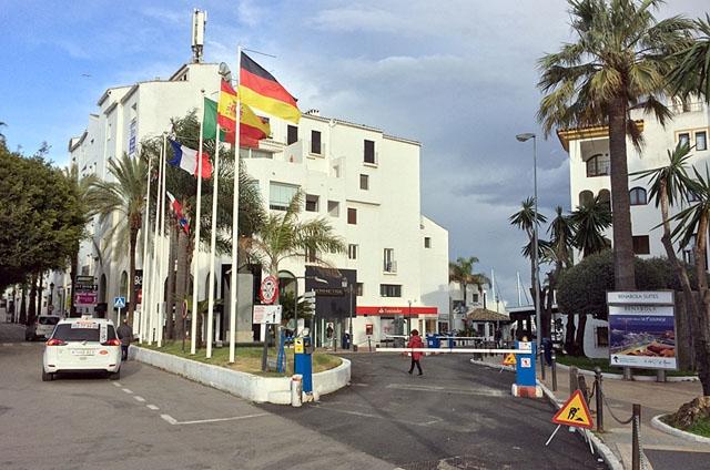 De 85 kameror som sattes upp förra året bevakar områden som exempelvis lyxhamnen Puerto Banús.