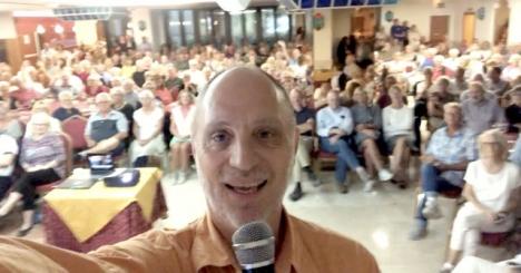 I år har jag haft drygt 2 000 åhörare på mina föredrag. Rekordet slogs i Nerja 4 november, med 330 personer.