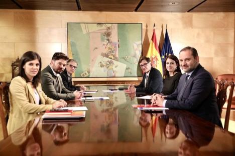 PSOE och ERC har hittills hållit två regeringsförhandlingar, men de katalanska separatisterna har ingen brådska. Foto: PSOE