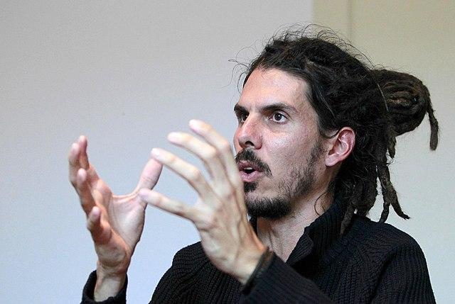 Podemos organisationssekreterare Alberto Rodríguez anklagas för att tystat ned en stöld av personuppgifter. Foto: Marta Jara (eldiario.es)/Wikimedia Commons