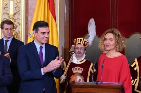 Pedro Sánchez har nu för avsikt att träffa de konservativa ledarna, i de pågående regeringsförhandlingarna.