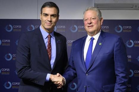 Spanien tog sig an evenemanget med endast en månads varsel, efter att Chile tvingats ansöka om alternativt säte.