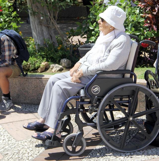 De personer som behöver permanent tlllsyn får i genomsnitt vänta 426 dagar på att erhålla hjälp.