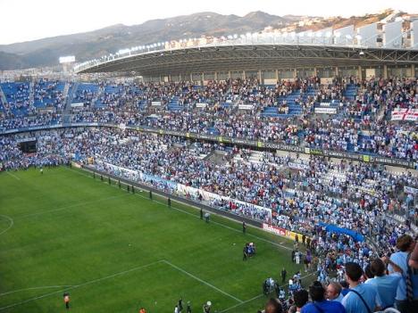 Trots att en majoritet av supportrarna stöder sin tränare har klubbledningen valt att stänga av honom, tills vidare. Foto: Morancio/Wikimedia Commons