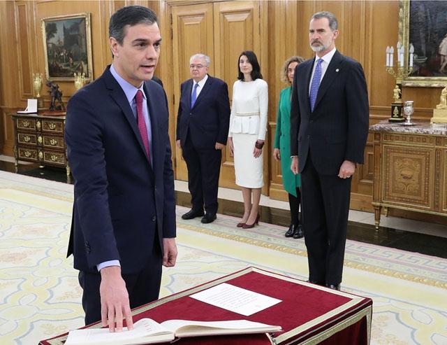Pedro Sánchez svor presidenteden 8 januari och hans nya ministrar kommer att sväras in 13 januari.