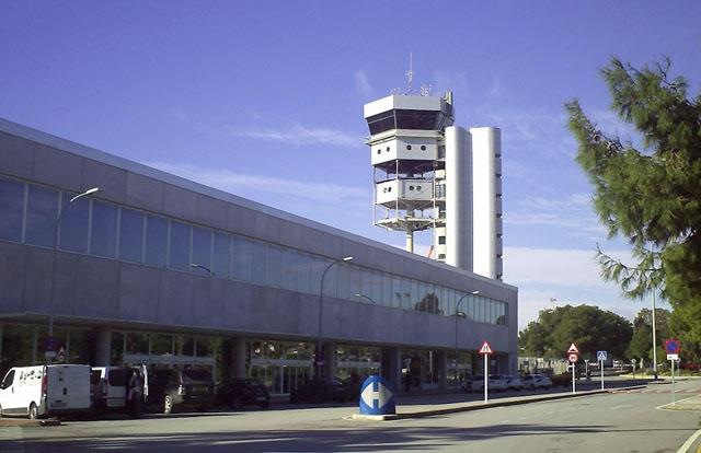 Stormen Gloria har tvingat Alicantes flygplats att stänga under minst ett dygn. Foto: Dr RdL/Wikimedia Commons