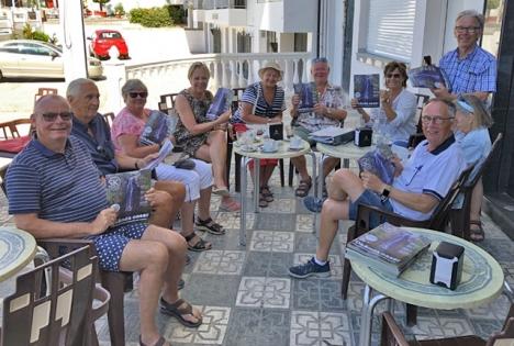 Nära tusen av Almuñécars drygt 26 500 mantalsskrivna innevånare är nordbor och det finns flera nordiska föreningar i samhället.