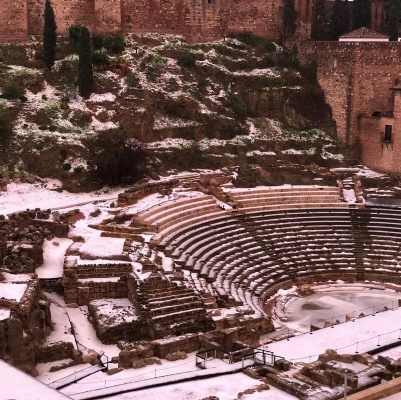 Antonio Banderas delade detta foto på Facebook av romerska teatern och uppmuntrade de som ska besöka Málaga under den stundande Goya-galan att ta med skidorna.