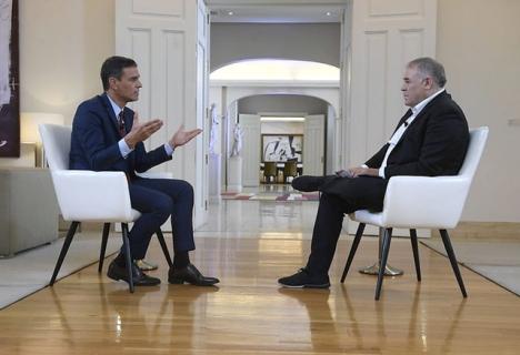 Boten gäller en intervju som Pedro Sánchez beviljade La Sexta från presidentpalatset La Moncloa.