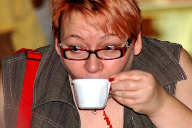 Såvida det ej är särkilt avtalat har företagen ingen plikt att bevilja anställda avlönad rök- eller kaffepaus.