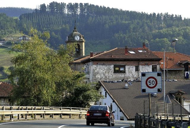Avfallstippen som brustit ligger på ett berg ovanför samhället Zaldívar. Foto: LBM1948/Wikimedia Commons