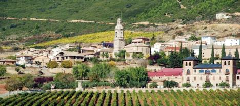 Vindistriktet Rioja är uppdelat i tre områden och inte större än halva Öland. Det kan enkelt besökas under 1-3 dagar. Foto: Julio Aquino/Wikimedia Commons