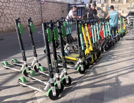 Scooterparkering i Málaga.