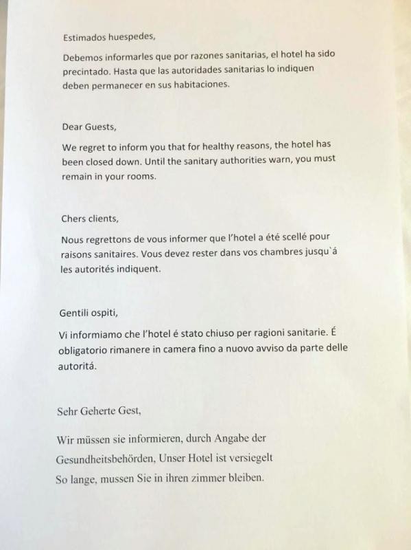 Brevet som hotellgästerna på H10 Costa Adeje Palace fann under dörren på tisdagsmorgonen.