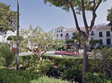 Plaza de las Flores, i Estepona. Foto: Google Maps