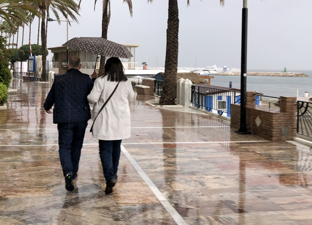 Det blir tillfälle att damma av paraplyerna på Costa del Sol till nästa vecka.