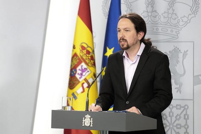 Socialministern Pablo Iglesias presenterade paketet, efter ministermötet 31 mars.