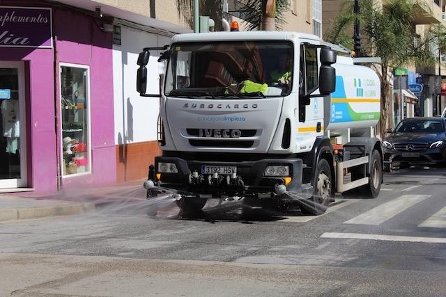 Det som sprutas på gatorna mot coronaviruset är ej något gift, utan desinfektionsmedel. Foto: Ayto de Fuengirola