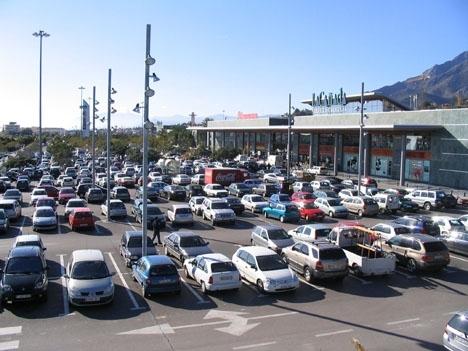 Parkeringen vid köpcentret La Cañada. ARKIVBILD