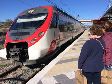 Myndigheternas löften om en tåglinje mellan Málaga och Marbella, i ett första steg och Estepona i ett andra, har fortfarande inte infriats efter mer än 20 år.