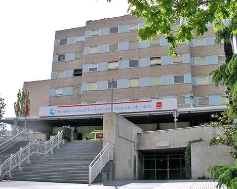 För första gången på flera veckor har intensivvårdspatienter i Madrid kunnat få besök av anhöriga. Fotot är av universitetssjukhuset Gregorio Marañón.